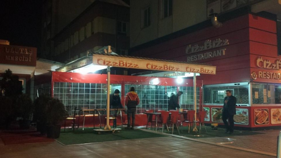 Kayseri Cızzbızz Cafe Elle Açılır Kapanır Tente Çalışması